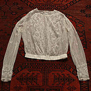 France 1880-1900 ,charming hand embroidered tulle blouse,small size.