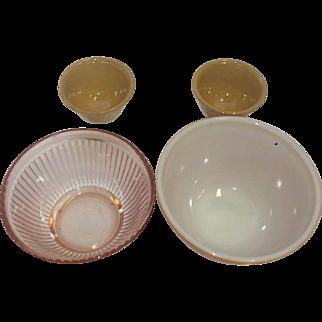 4 Vintage Mixing Bowl, 1940s through 1950s