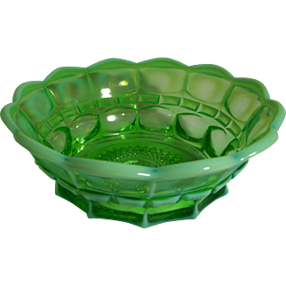 Green Opalescent Bowl in Thumbprint Design
