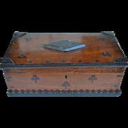 Exceptional  Folk Art / Tramp Art American Box