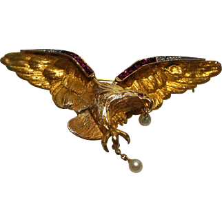 Mid 20th century yellow metal tests as 18 karat gold eagle brooch