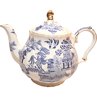 Gorgeous Blue Sadler Teapot