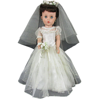 """Vintage 17"""" Bride Doll in Original Wedding Dress /Accessories - Unique Jointed Knees and Hips c. 1959"""
