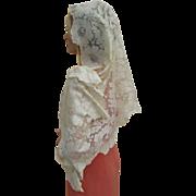 Beautiful Vintage Long Ivory Silky Lace Mantilla/Shawl/Headress