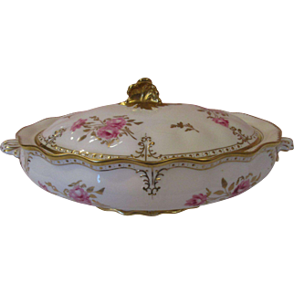 "Magnificent 13"" Royal Crown Derby 'Royal Pinxton Roses' Covered Serving Dish"