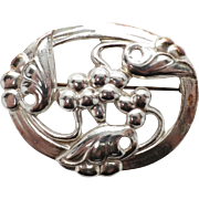 Pretty Sterling Oval Pin in a Artsy Floral Design
