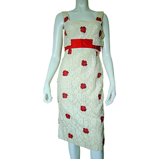 1970's Red Rose Appliques Over Off-White Lace Summer Sun Dress