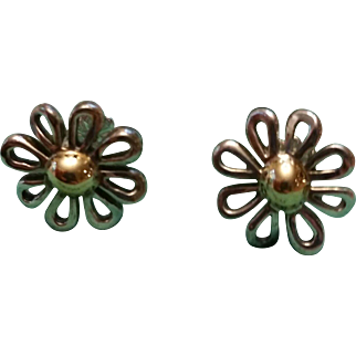 Vintage Tiffany & Co. Paloma Picasso Daisy stud earrings.  18k & .925
