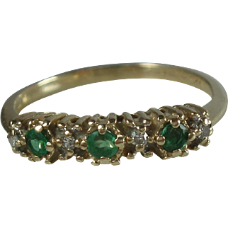 10K Gold Emerald Diamond Ring Size 5.75