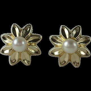 Vintage 10k Gold Pearl Flower Earrings