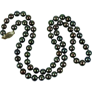 Vintage Peacock Freshwater Cultured Pearl Necklace 14 Karat Gold Clasp