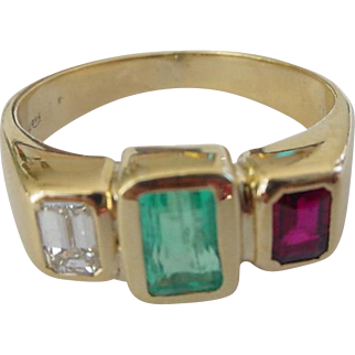 Vintage Emerald Ruby Diamond Ring in 18k Yellow Gold