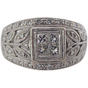 Exquisite Vintage Art Deco Diamond Ring in 18k White Gold