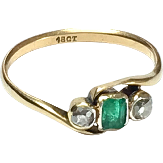 Antique Emerald and Diamond 18K Gold Trilogy Ring