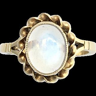 Vintage 9K Gold Moonstone Cabochon Ring