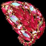Weiss Vintage Red Jewel Leaf Pin