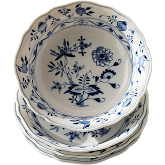 Meissen Blue Onion Fruit Dessert Bowls crossed sword mark