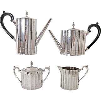 Superb Lunt Silversmiths 4 PC Tea & Coffee Service Circa: 1935