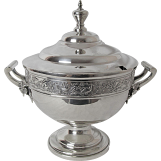 Exquisite Aesthetic Period Silver Plated Cream Soup or Bullion Tureen