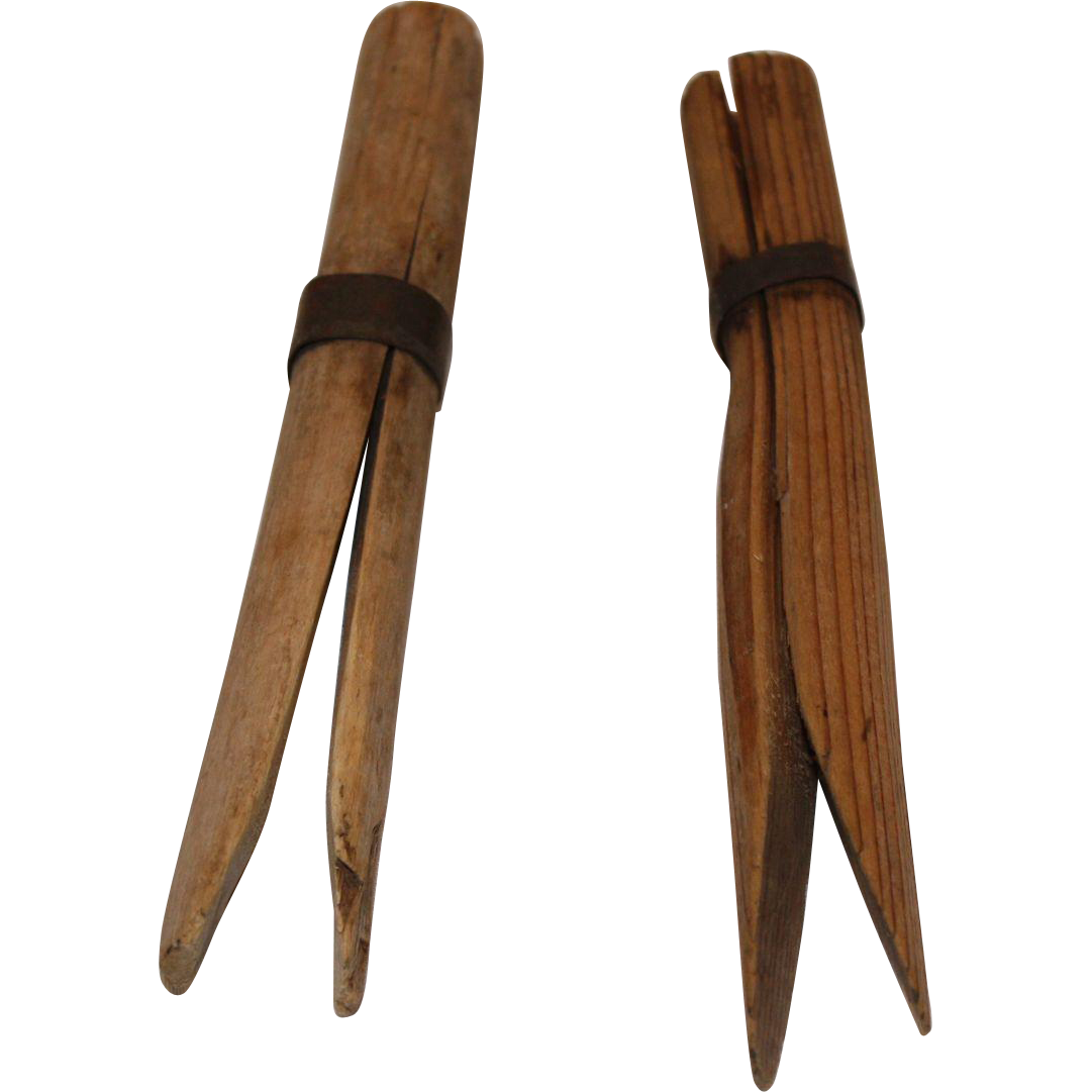 vintage clothes pins from the schoolhouse on ruby