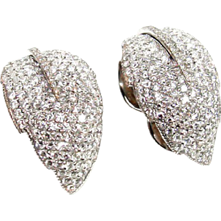 David Morris for Fred Leighton 18 Karat White Gold and Brilliant Cut Diamond Set Earrings