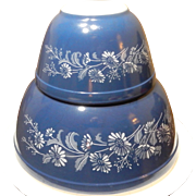 Wonderful Pyrex Colonial Mist Mixing Bowls Beautiful French Blue Color with White Daisy Pattern #401 & #403
