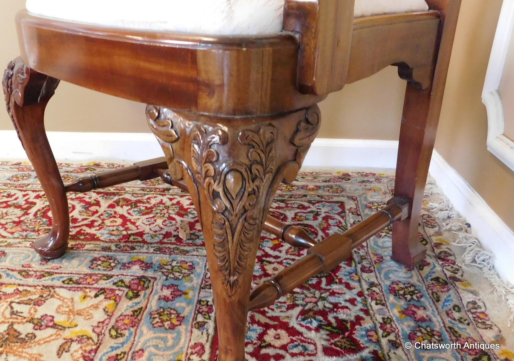 Set 10 Imported 1990s Carved Mahogany Queen Anne Style Dining Room