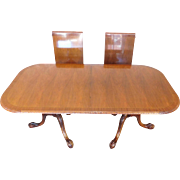 Light Mahogany Chippendale Carved Edge Inlaid Banded Dining Room Table w/ 2 Leaves c1990