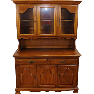 Great 1980s Solid Maple Dining Room ~ Kitchen China Cabinet Hutch