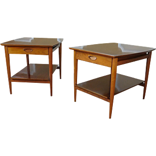 Great Pair Mid-Century Drexel Heritage Walnut Living Room End Lamp Tables c1950s