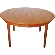"55"" Diameter Light Walnut Danish Modern Style ""Dynasty Furniture"" Dining Room Table & 3 Leaves c1950s"