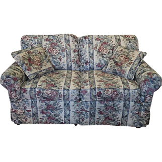 Extremely Clean Castro Convertible Krause's Furniture Upholstered Living Room Loveseat