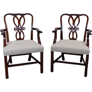 Good Pair Baker Furniture Chippendale Style Mahogany Dining Room Armchairs