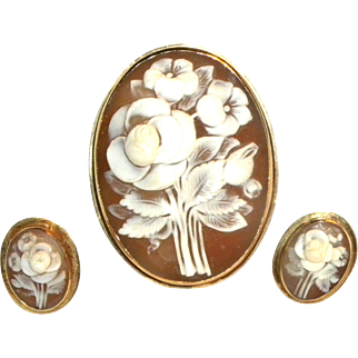 Victorian 14k Yellow Gold Floral Cameo with Matching post Earrings
