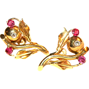 Vintage c1940 14k yellow gold & Ruby Floral Screw Back Earrings