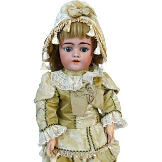 Antique German Bisque Head Doll Simon & Halbig S&H 1079