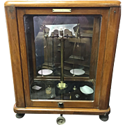 Early 20th Century Apothecary Scale