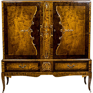 Cabinet/Cupboard/Commode
