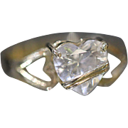 14KT Modern Style Heart Shaped Cubic Zirconia Overlapping Mounting in Yellow Gold