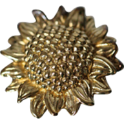 14k Aged 3D Puff Sunflower with Patina Highly Detailed Pin / brooch in Yellow Gold