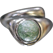 Sterling Silver 925 Green Turquoise Stone in Bypass Ring Design