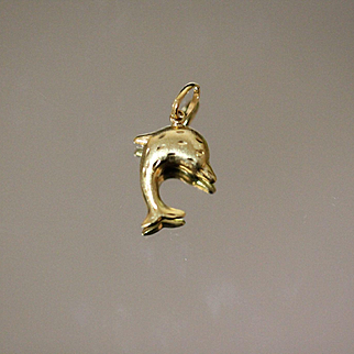 18kt Multi Diamond Cut Finish Satin / High Gloss Jumping Dolphin Pendant / Charm in Rich Yellow Gold