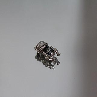 .05 CTW Blue Diamond - 925 - Cute Frog Pendant Emoji Hopping in Sterling Silver