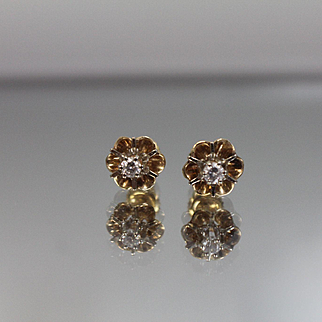 .25 CTW - 14k - Diamond Flower Studs with Screw Backings in Yellow Gold Vintage Surround