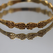 22k - Vintage Symmetrical Asian Oriental Fixed Size Bangle Bracelet in Solid Yellow Gold