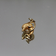 18k - Frosted Texture Dolphin Jumping Through Hoop Pendant Charm in Yellow Gold