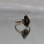 10k - Art Deco Black Onyx with Diamond Set on Top in Fancy Design Ring Yellow Gold