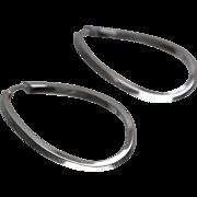 14k - Oval Twisted Hoop Earrings in White Gold