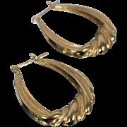 14k - Theatre Curtain Style Chandelier Hoop Earrings in Yellow Gold
