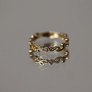 14k Overlapping Infinity Band Eternal in Yellow Gold